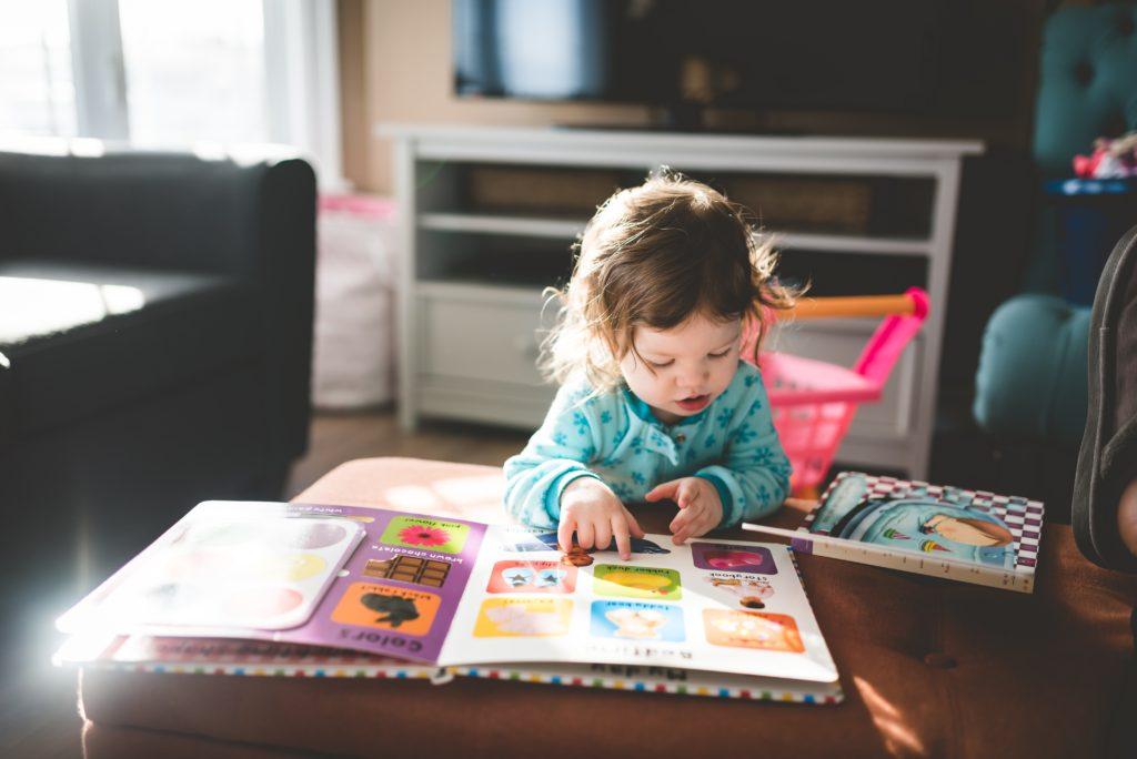 子供の英語幼児教育、早期教育を早い段階でしたほうがいい理由とは【いつから、脳科学】