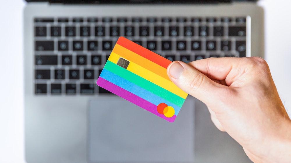 ネットショップ開業 おすすめのデビットカード機能付き銀行口座