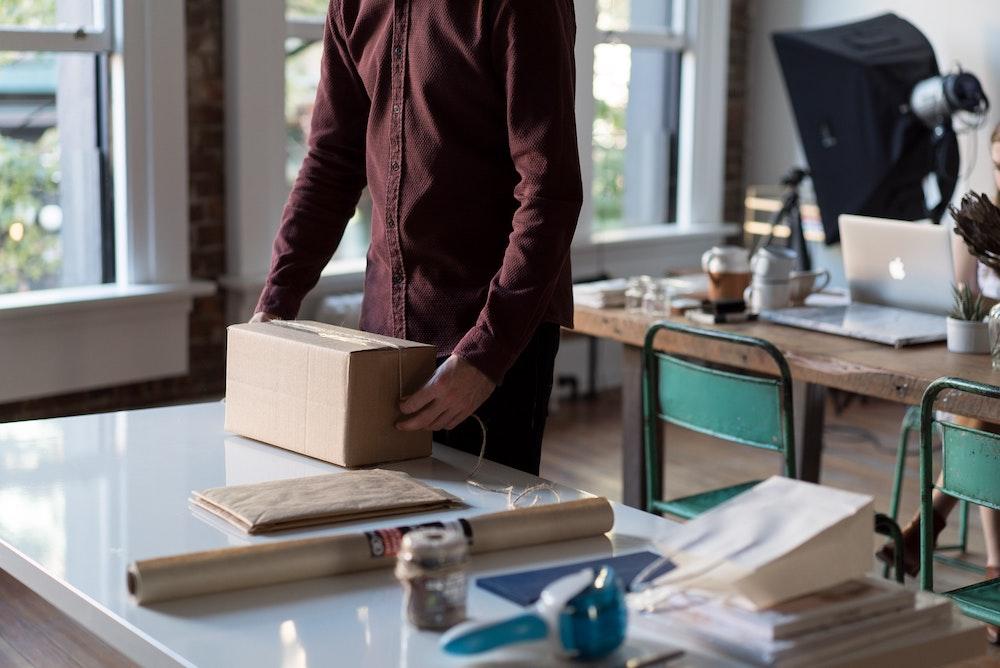 ネットショップ開業 配送会社のサービスとチェックするポイントを解説(個人事業主・零細企業向け)